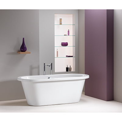 QX Stanford 1700 Freestanding Skirted Bath